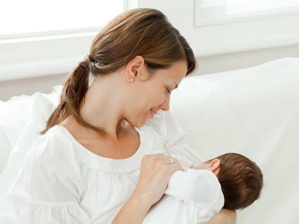 Tránh thai khi cho con bú như thế nào?