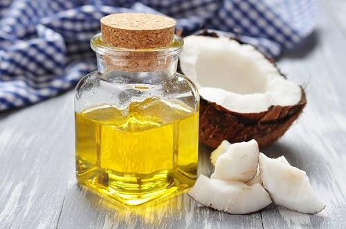 Dầu dừa là nguyên liệu tự nhiên giúp làm đẹp da an toàn hiệu quả
