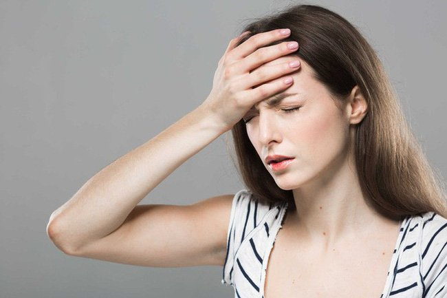 Phụ nữ thường xuyên bị chóng mặt, mất ngủ