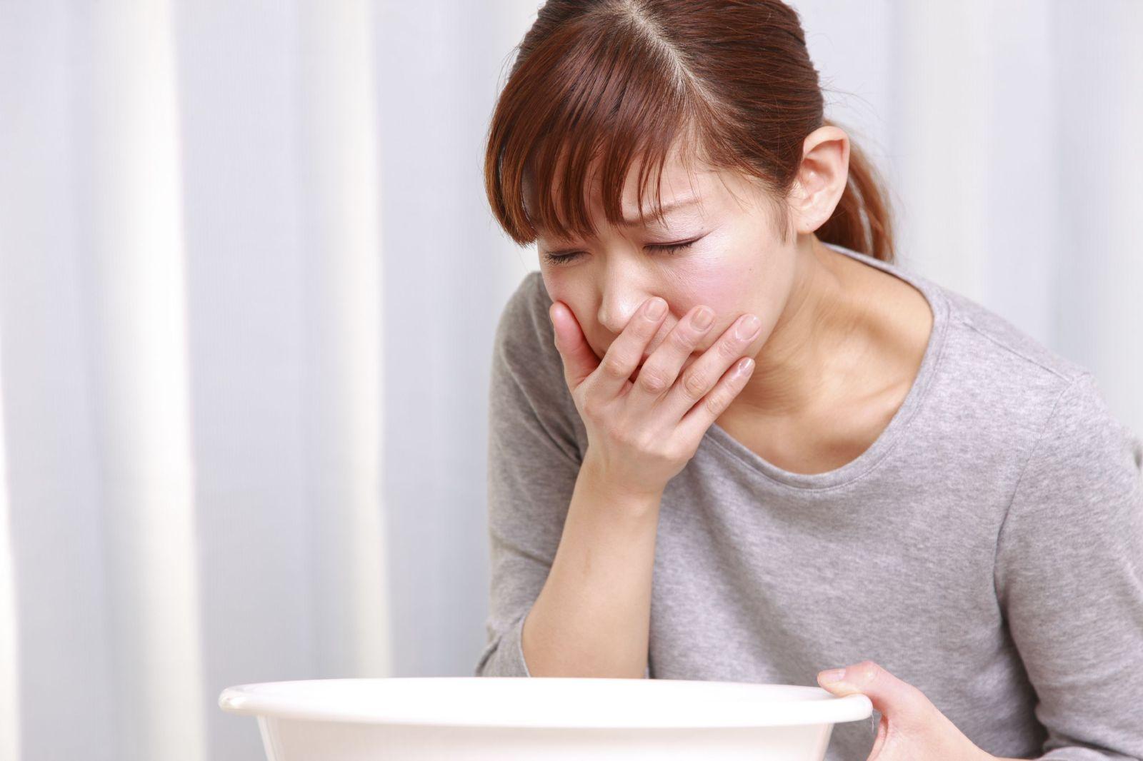 Buồn nôn (ốm nghén) là dấu hiệu phổ biến của thai kỳ