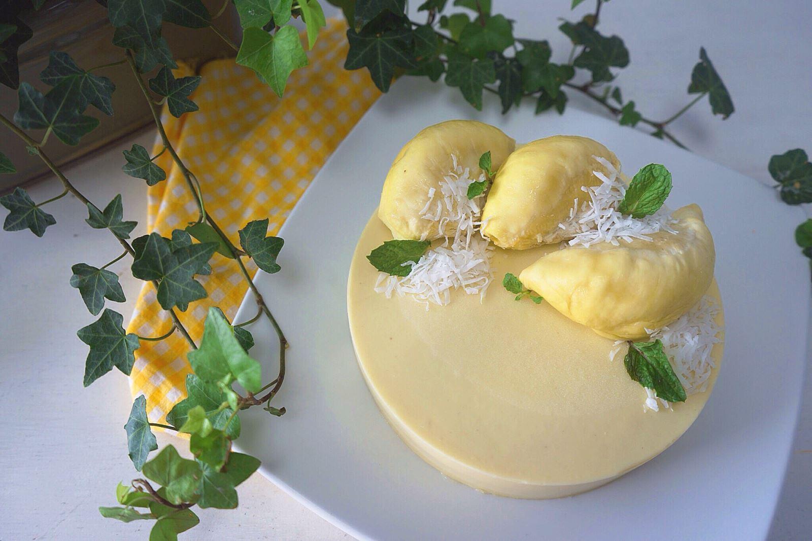 Bánh Mousse sầu riêng thơm ngon
