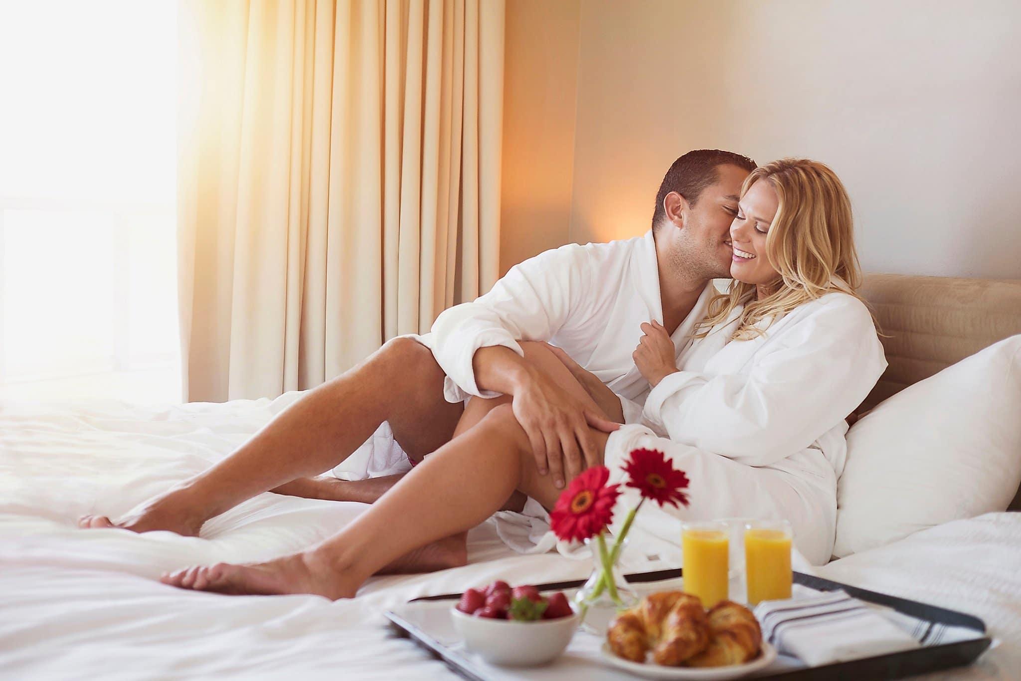 Buổi sáng là thời điểm đàn ông ham muốn quan hệ cao