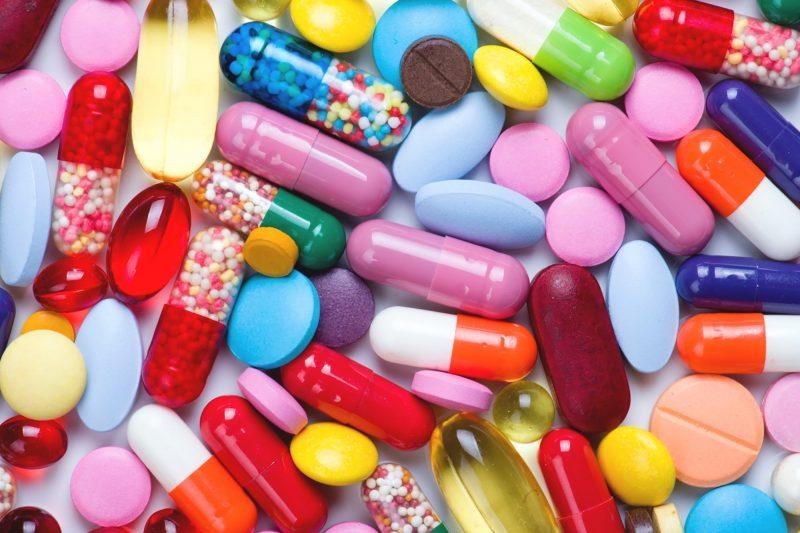 Lạm dụng thuốc kháng sinh cũng sẽ gây khô âm đạo