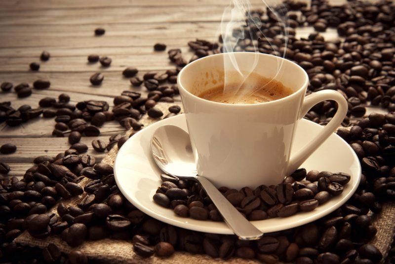Không nên uống cafe vào ngày đèn đỏ
