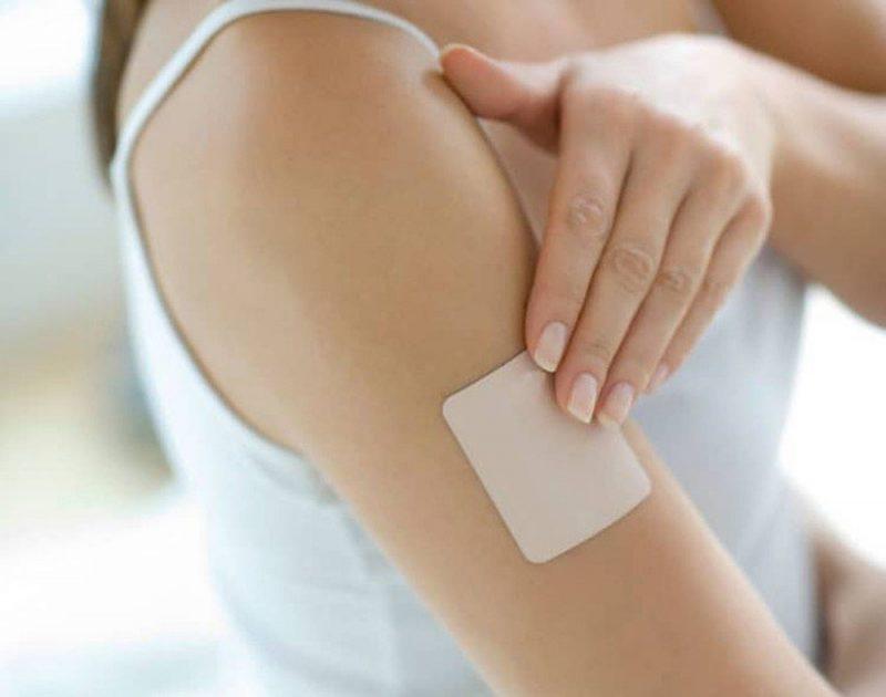 Miếng dán tránh thai là một trong những biện pháp tránh thai nội tiết
