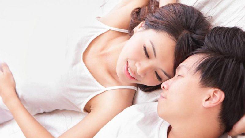 Những người phụ nữ không bị ốm nghén thì đều muốn gần gũi chồng nhiều hơn
