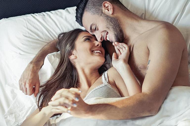 Khi ham muốn bạn có những hành động như hôn, va chạm, quan hệ