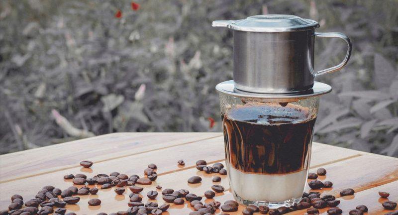 Uống cafe đều đặn giúp chị em giảm tỷ lệ thụ thai.
