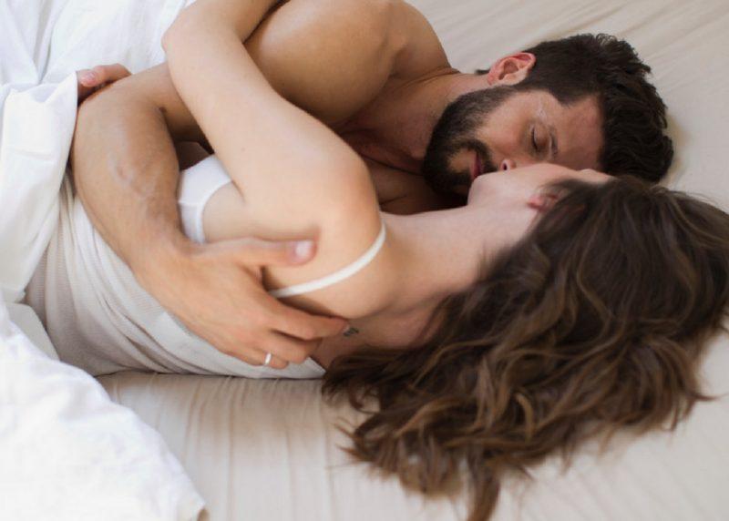 Chị em nên tâm sự, san sẻ gánh nặng với chồng