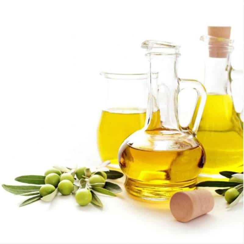 Trộn dầu oliu với đường nâu