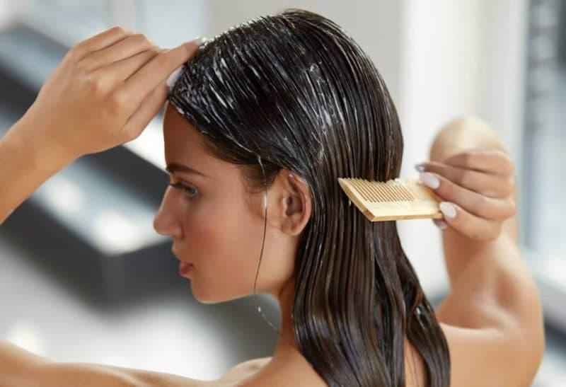 Duy trì độ ẩm cho tóc bằng cách dùng mặt nạ