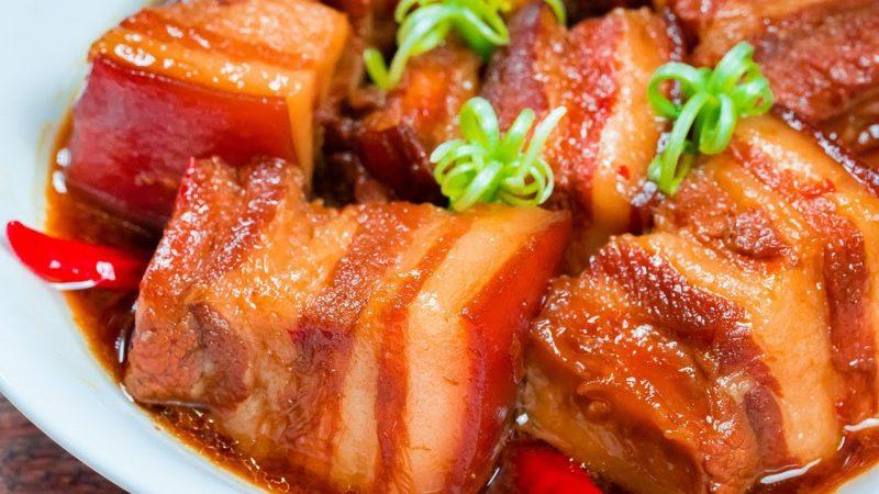 Thịt kho nước dừa là món ăn phổ biến