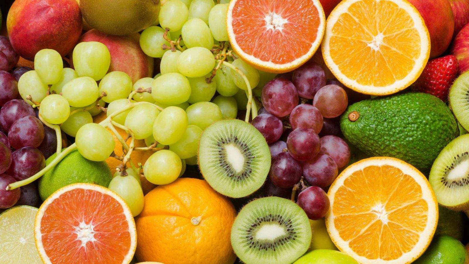 Nên ăn nhiều trái cây để cân đối khẩu phần ăn