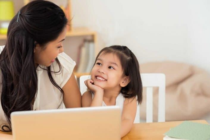 Nên giáo dục trẻ về chu kì kinh nguyệt từ sớm