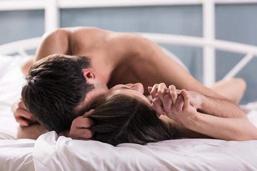 """Ít ai ngờ được rằng """"yêu"""" theo tư thế truyền thống lại là cách quan hệ nguy hiểm"""