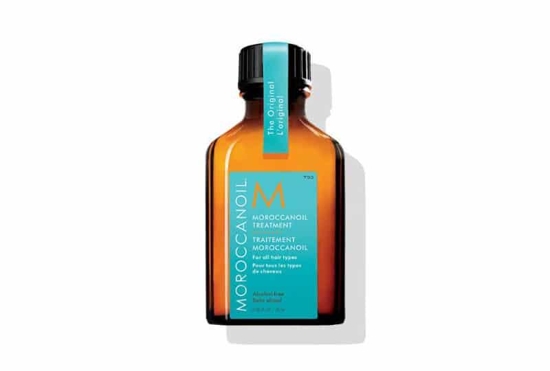 Dầu moroccanoil chứa nhiều axit béo thiết yếu sẽ nuôi dưỡng và khiến tóc trở nên chắc khỏe hơn