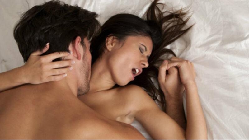 Quá say khi quan hệ khiến nữ giới không thể phối hợp với đối phương để có thể thăng hoa