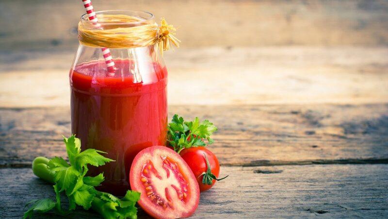Nước ép cà chua giúp giảm cơn chóng mặt nhanh chóng
