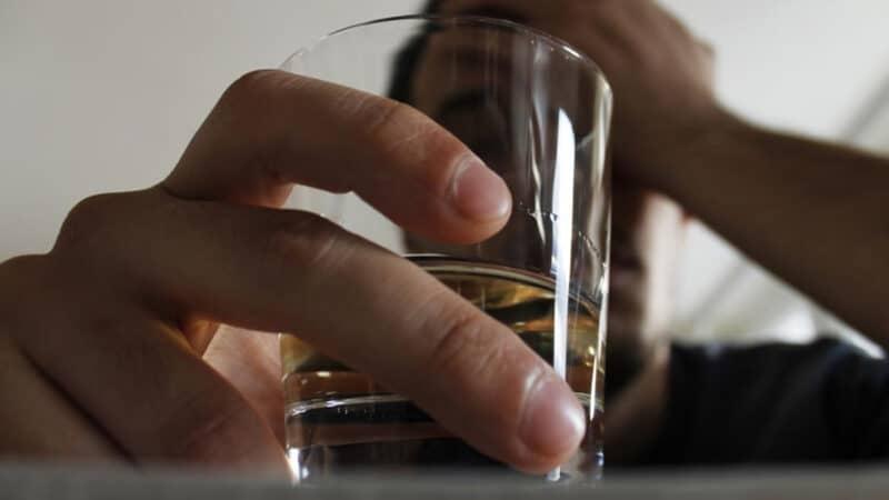 Rượu bia ảnh hưởng tiêu cực tới chất lượng tinh trùng và khả năng thụ thai