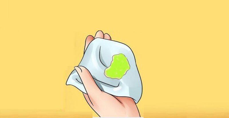 Ra khí hư bất thường là một trong những triệu chứng phổ biến của bệnh viêm lộ tuyến