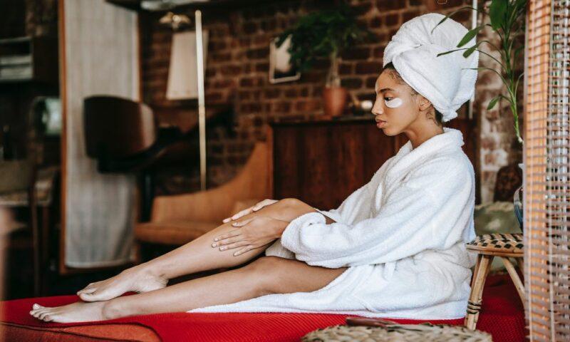 Hạn chế sử dụng AHA Body Lotion vào ban ngày để da không bắt nắng.