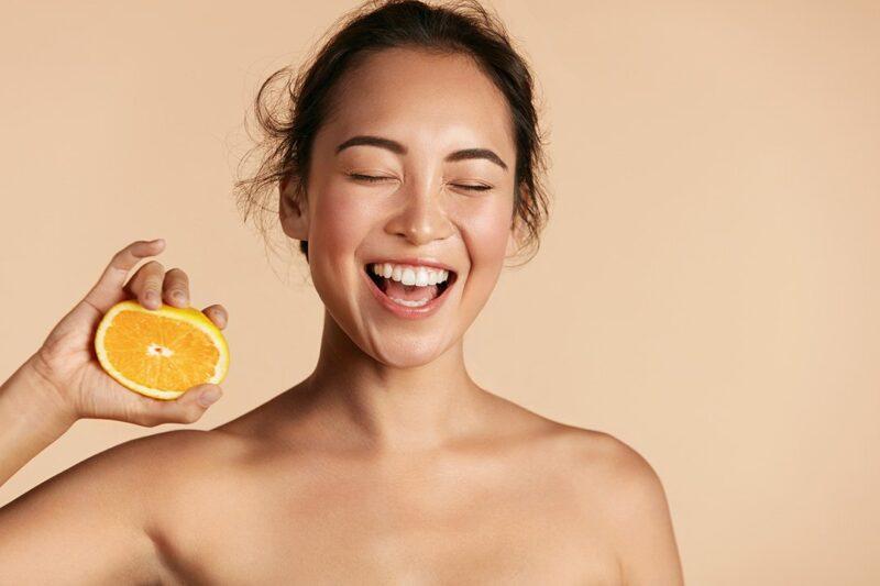 dùng quá nhiều vitamin C không phải lúc nào cũng là tốt hơn cho làn da.