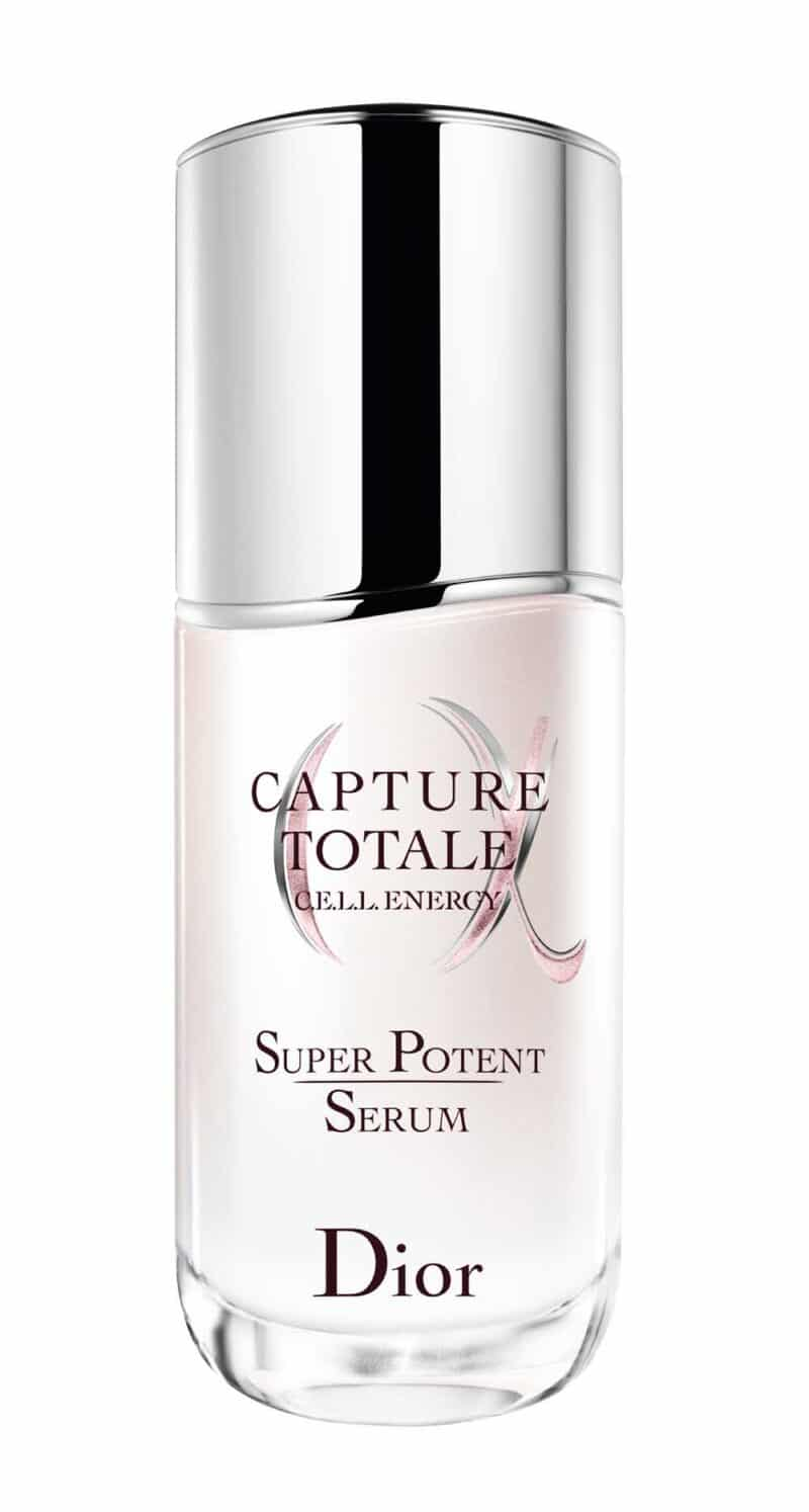 Sử dụng Capture Totale Super Potent Serum, làn da trở nên mịn màng hơn trông thấy, săn chắc, căng đầy