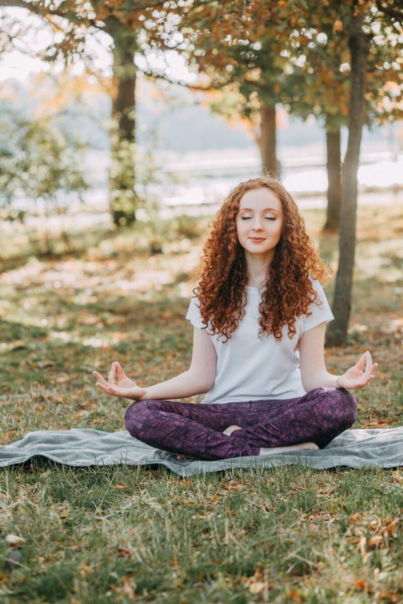 Thiền và yoga là hai phương pháp giảm stress vô cùng hiệu quả