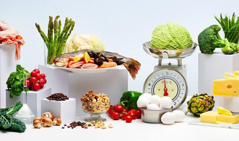 Xây dựng chế độ ăn uống hợp lý sẽ giúp bạn đẩy lùi các triệu chứng tiền mãn kinh