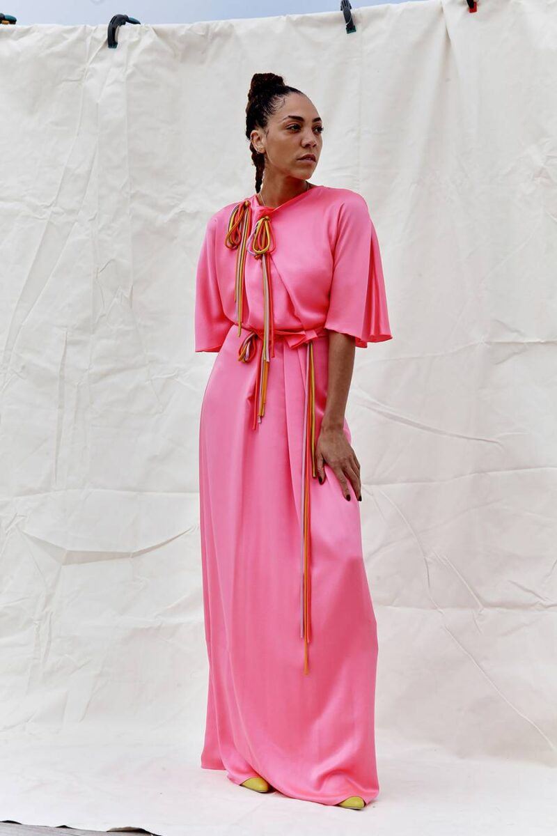 Trang phục mà hồng với những cách chơi màu đầy tinh tế