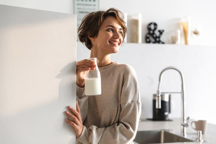 buồng trứng đa nang uống sữa đậu nành nên hay không?