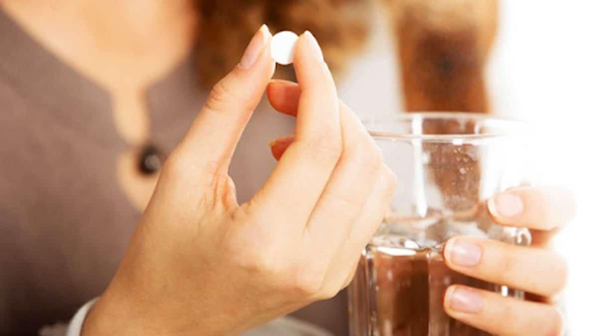 Mẹ cho con bú nên dùng loại thuốc tránh thai khẩn cấp chỉ chứa progestin