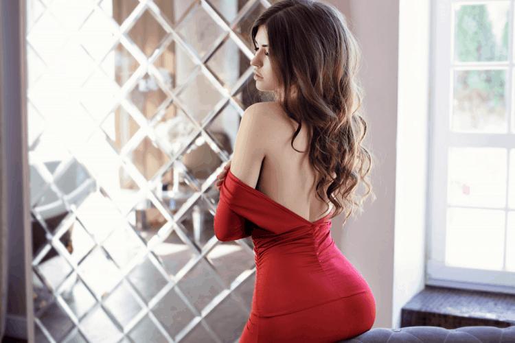 Phụ nữ thích mặc đồ bó sát