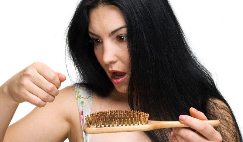 Phát hiện sớm dấu hiệu rụng tóc