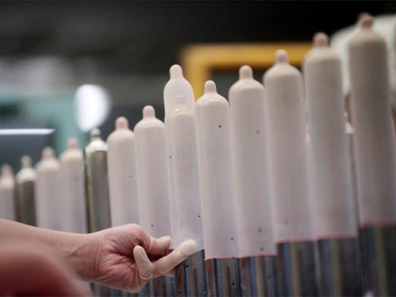 quy trình sản xuất và kiểm tra chất lượng các dòng bao cao su mỏng