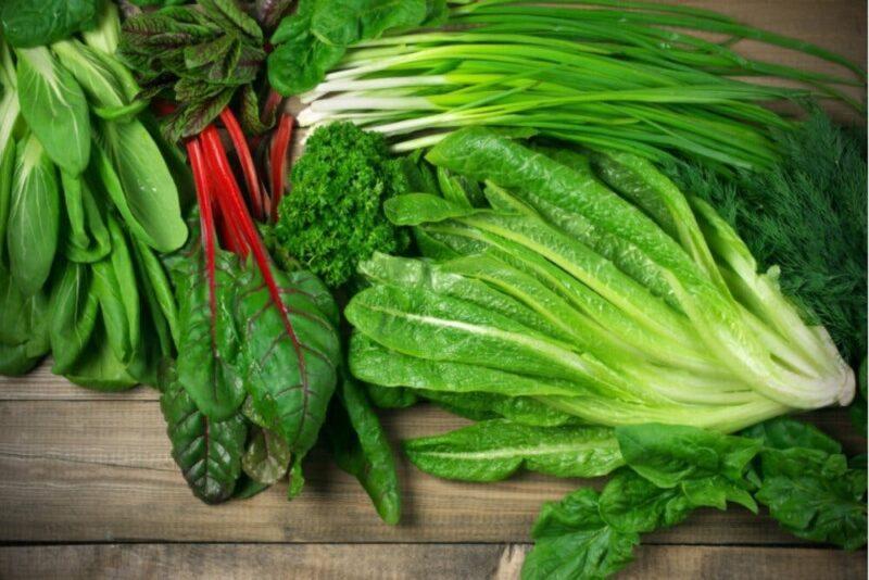 Một trong nhữngloại thực phẩm tốt cho sức khỏe sinh sảnđó chính là rau lá xanh