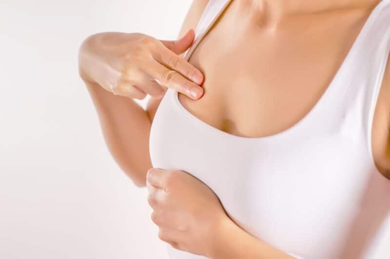 Những rối loạn tuyến vú, như nhiễm trùng cũng có thể gây ra sự thay đổi này.