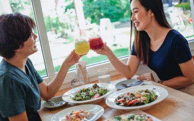 Dù đang trong chế độ ăn kiêng, hãy đảm bảo đủ chất nhé.